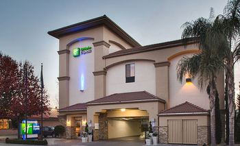 Exterior View of Holiday Inn Express Redwood City-Central