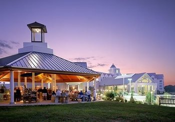 Family reunion at Hyatt Regency Chesapeake Bay Golf Resort, Spa and Marina.