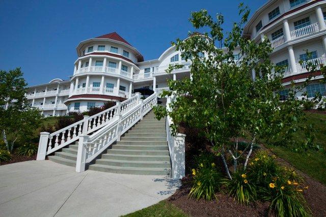 Entrance to Blue Harbor Resort & Spa