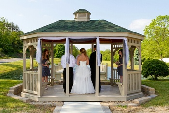 Wedding in the gazebo at Creekside Resort.