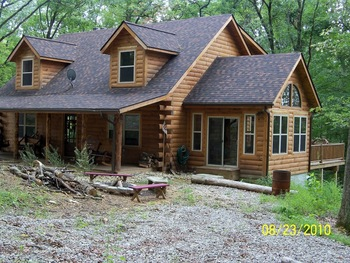 Cabin exterior at Cabins in Hocking.