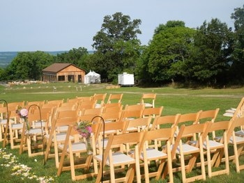 Outdoor wedding at Seneca Springs Resort.