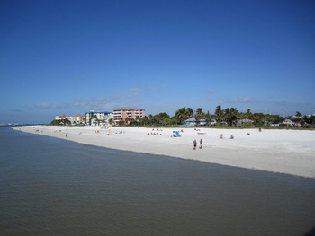 The beach at The Holiday Court.