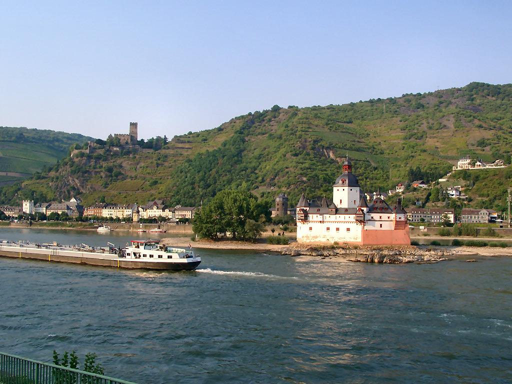 Exterior view of Castle Hotel Burg Gutenfels.
